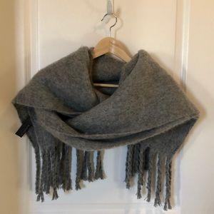 Zara thick filthy scarf